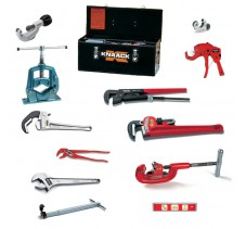Набор инструмента  для сантехника в металлическом кейсе KNAACK